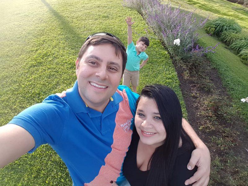 Carlos Castellanos y familia Fortaleza